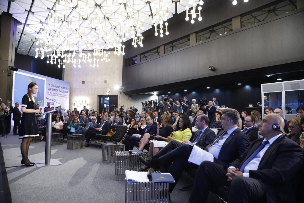 Над 130 души присъстваха на форума